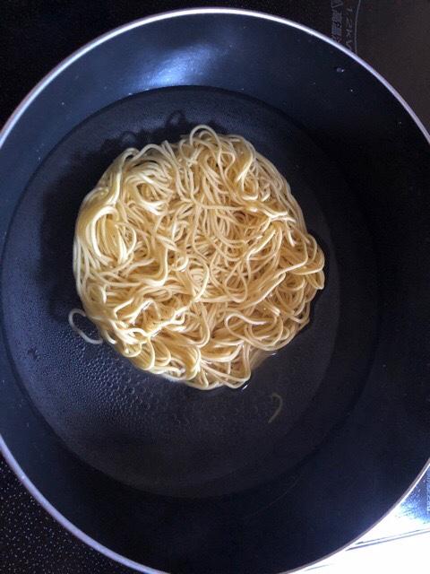 これ絶うまいやつの麺